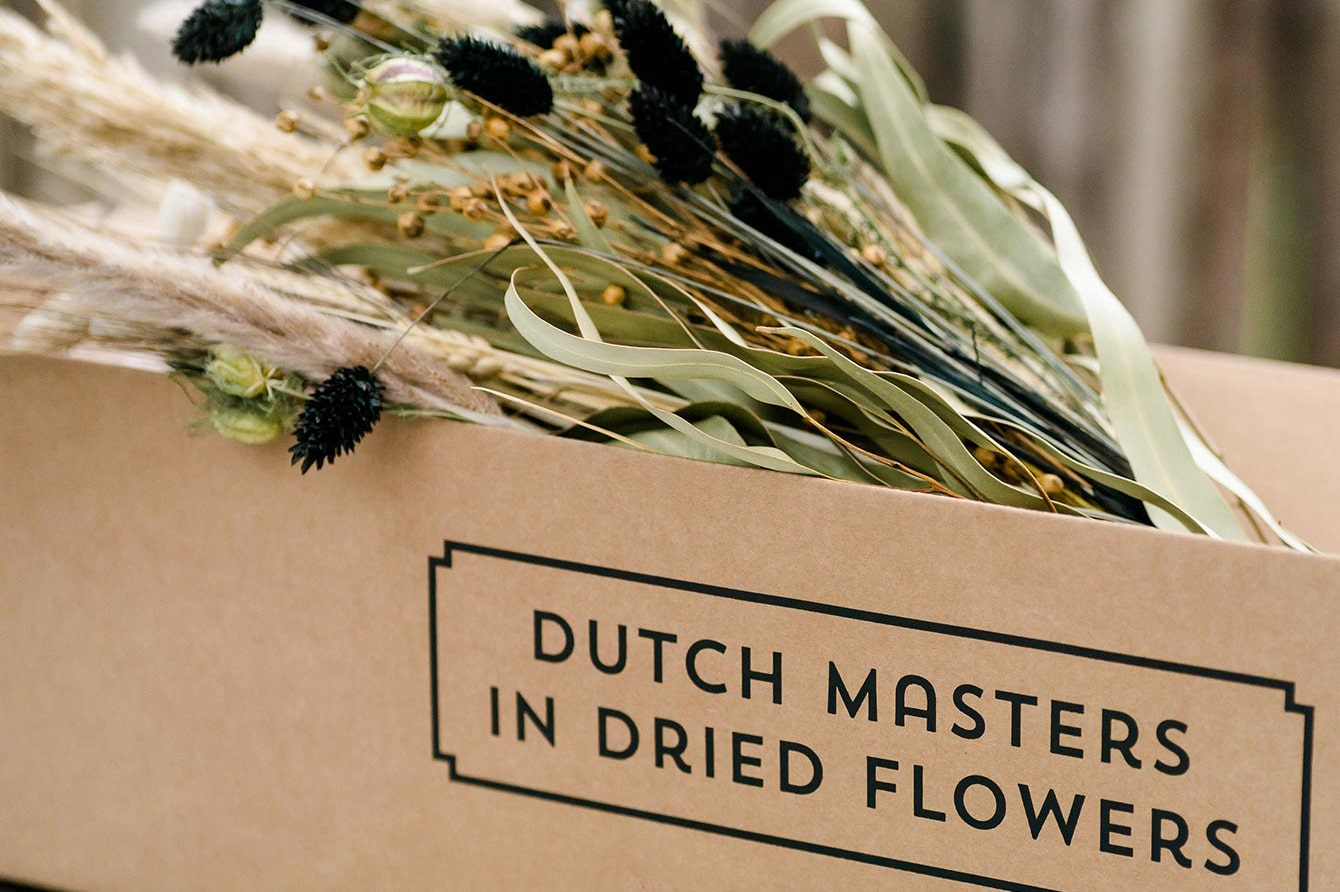 Dutch Masters In Dried Flowers op showUP